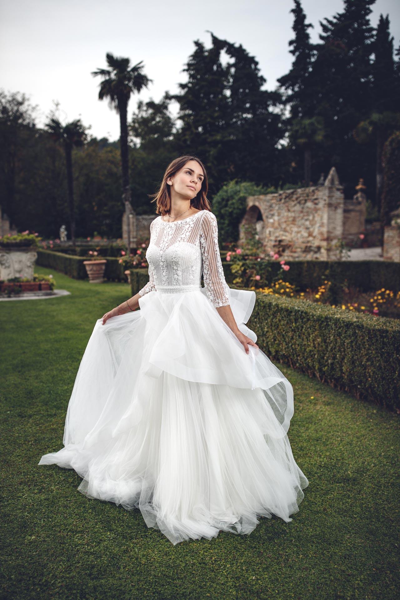 Vestiti Da Sposa Fano.Collezione Leggera Mattioli Sposi